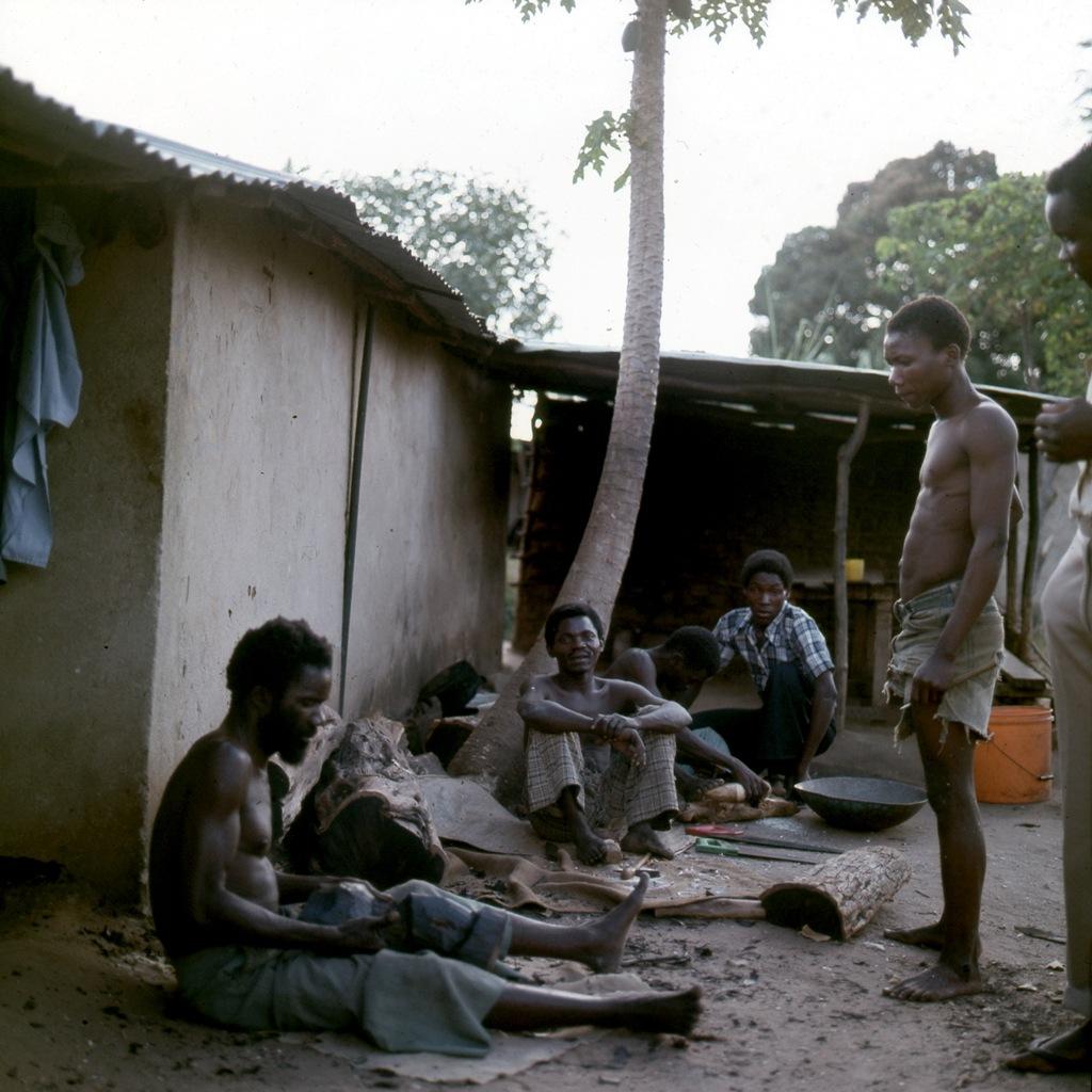 Afrikaans houtsnijwerk 006