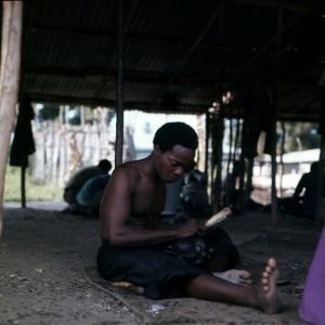 Afrikaans houtsnijwerk 010