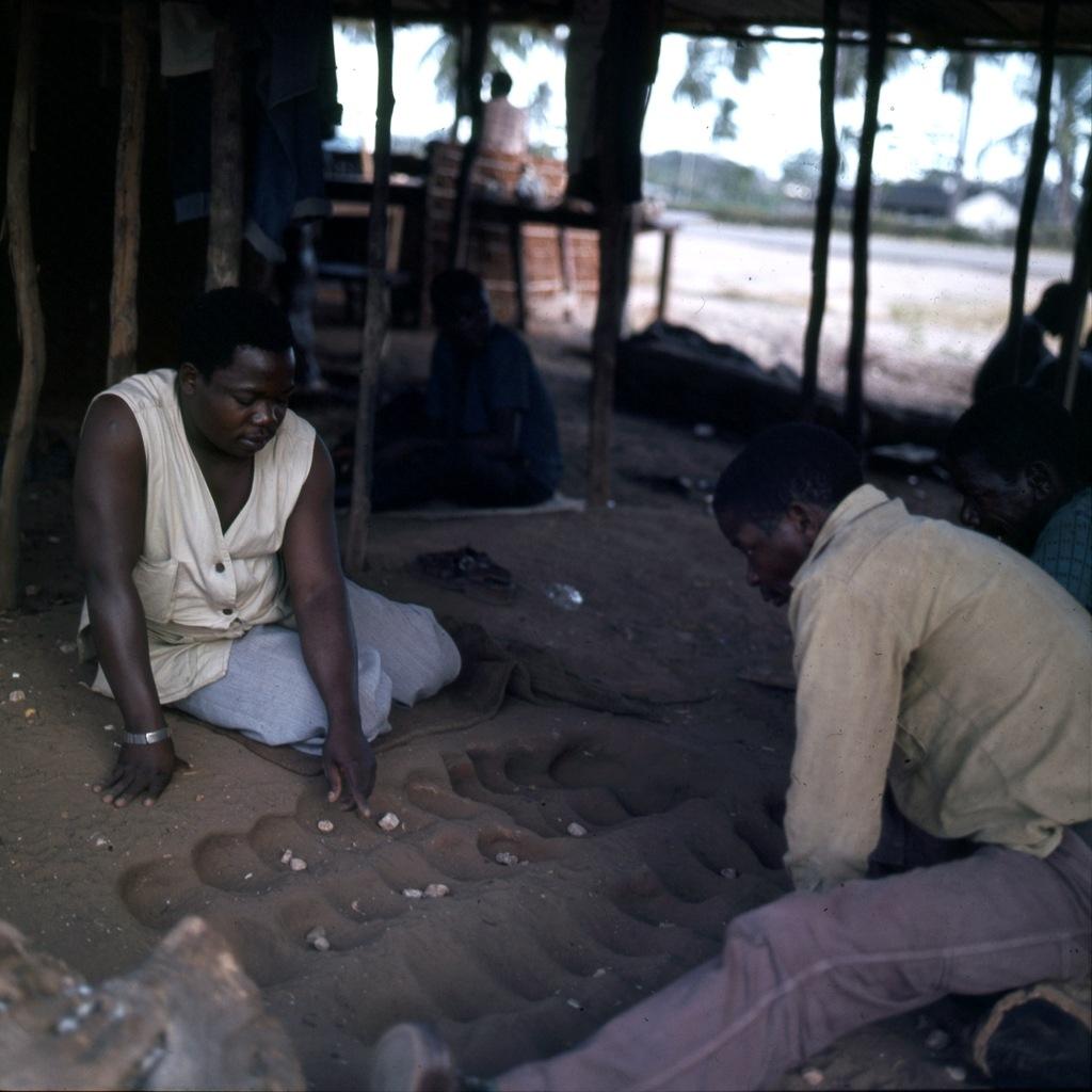 Afrikaans houtsnijwerk 011