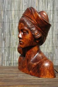 Bustebeeld van moeder geweest
