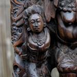 Ook zwarte magie en toverkunsten zijn haar terrein. Rangda's tegenpool is Barong, een enorme leeuw.