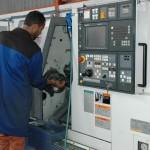 De nieuwe aanwinst, de geweldige Mori Seiki NL 2500. Een 4-assige machine die voor het bedrijf grote toegevoegde waarde heeft.
