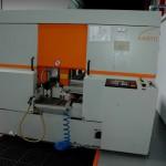 5Hands-Metaal beschikt over een krachtige, zelf doorvoerende zaagmachine.