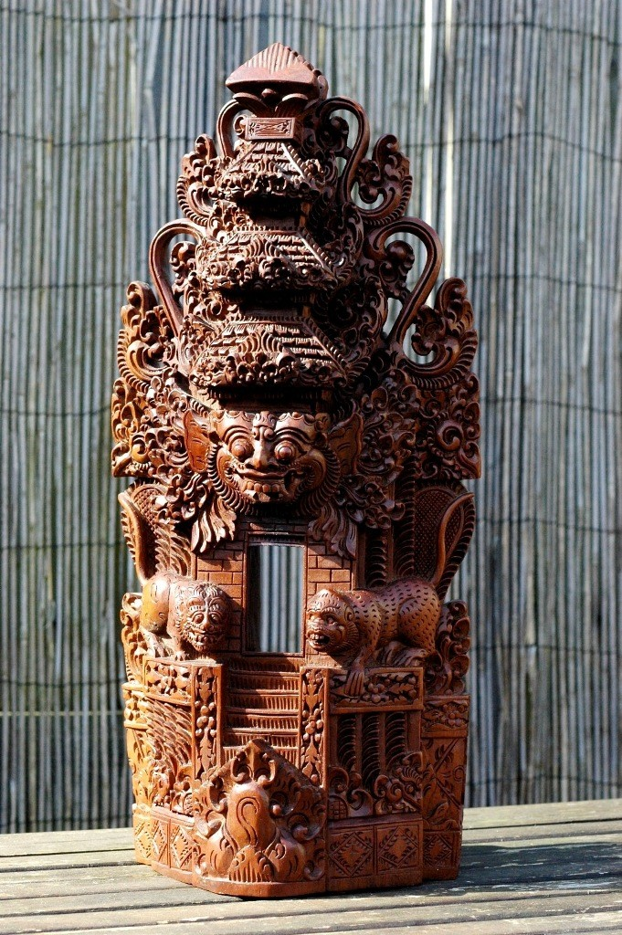 Mijn vierde tempelbeeld is heel erg rijk gesneden