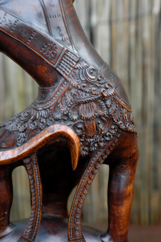 Prachtige oude boogschutter, helemaal gaaf en bijzonder fraai uitgewerkt.