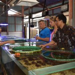 "Groothandel Pt. Dinar, Darum Lestari Export in Kuta Utara, die doet in ""Live Marine tropical fish, coral, invertebrate, other"" en ook in ""Mariculture Coral en Artificial Rock""."