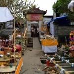 Het treffen van de voorbereidingen voor een massacrematie op Bali