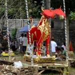 Het treffen van de voorbereidingen voor een massacrematie op Bali.